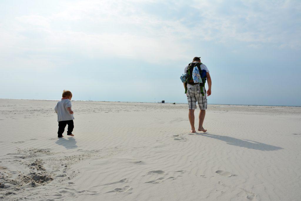 7-reisegefaehrten, Sandstrand auf Amrum, mit meinen zwei Mäusen